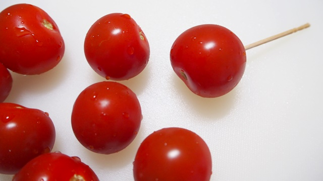 ブロッコリーとミニトマトのハニーマリネ